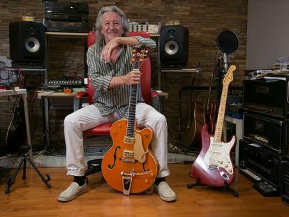 John Parsons, guitarrista, posa en su casa de Galapagar el pasado jueves.