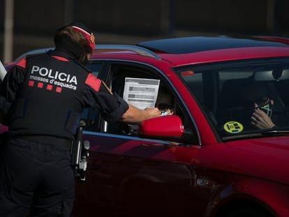 Un agente de los Mossos d'Esquadra en una imagen de archivo.