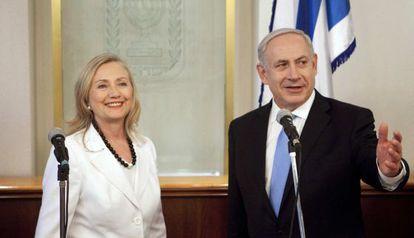 Hillary Clinton y Benjamín Netanyahu, en Jerusalén.