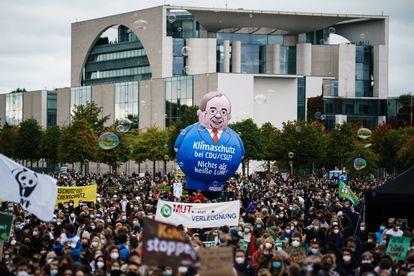 Manifestantes por el clima este viernes en Berlín.