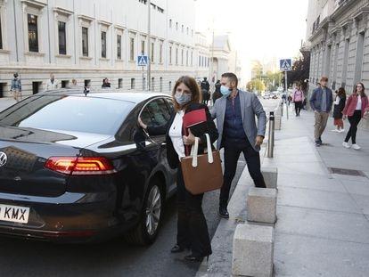 Adriana Lastra, vicesecretaria general del PSOE, a su llegada a la reunión de crisis de Gobierno este lunes en el Congreso.