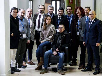 De pie, de izquierda a derecha, María M. (Generalitat),Alberto Téllez (Acaip-UGT), Jorge Alves (Portugal), Francisco Macero(Acaip-UGT), Kostas Paliokaritis (Grecia), Vasilis Antoniou (Chipre), Damiano Preto (Italia), Dimitra Drakaki (Grecia), Salvador Berdún (Acaip-UGT) y Adrian Neagoe (Rumanía). Sentados, Inmaculada Yuste (Universidad de Granada) y Wilfried Fonk (Francia).