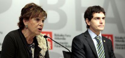 La diputada de Cultura de Bizkaia, Josune Ariztondo, junto al diputado de Presidencia, Unai Rementeria.