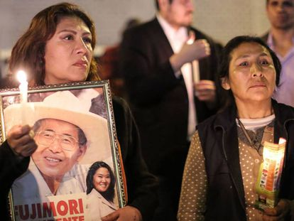 Partidarios de Alberto Fujimori, este miércoles en Lima (Perú).