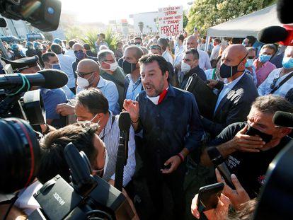 El líder de la Liga, Matteo Salvini, este lunes en el municipio de Mondragone.