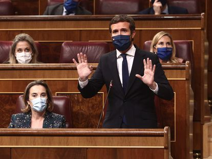 El presidente del PP, Pablo Casado, interviene durante una sesión de control al Gobierno, en Madrid (España), el pasado 16 de diciembre.