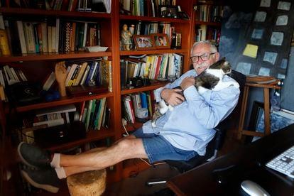 Juanjo Cardenal, este viernes en su casa en Mataró (Barcelona).