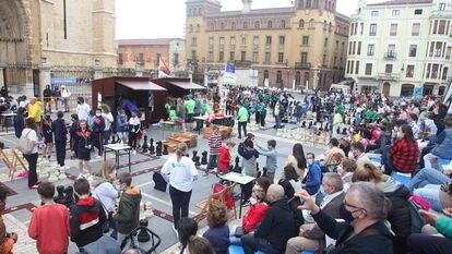 Panomárica del Torneo Pequeños Gigantes, que se disputó junto a la Catedral de León a finales de junio
