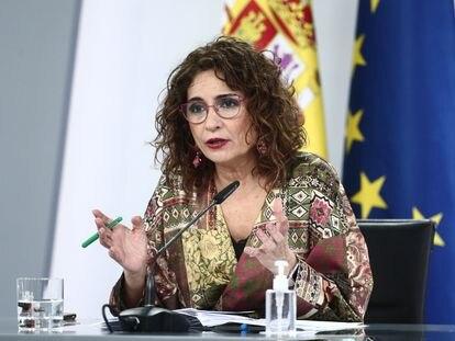 La portavoz del Gobierno, María Jesús Montero, durante la rueda de prensa tras el Consejo de Ministros este martes.