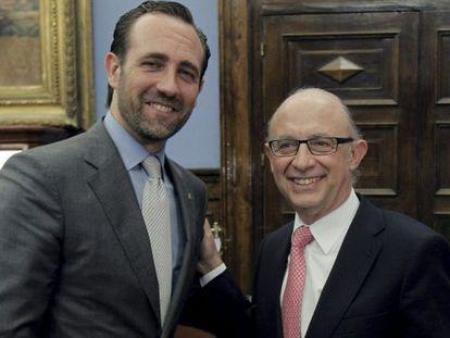 El presidente del Gobierno balear, José Ramón Bauzá, con el ministro de Hacienda, Cristóbal Montoro.