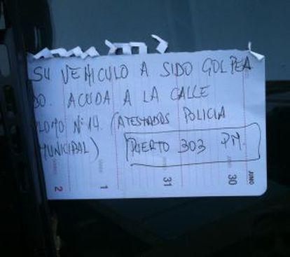Nota de la policía en la que se informaba a los tres vehículos siniestrados.