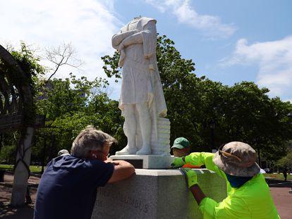 Estatua de Colón decapitada en Boston.