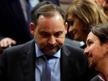 El ministro de Transportes, Movilidad y Agenda Urbana, José Luis Ábalos, y el vicepresidente segundo del Gobierno, Pablo Iglesias, en una foto de archivo.