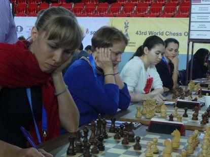 La selección rusa femenina: Giria (primer plano), Gunina, Goriáchkina y Kosteniuk; falta Pogonina.