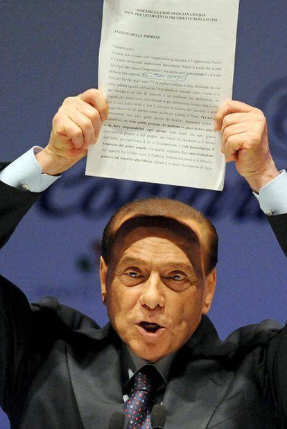 Berlusconi, anteayer en la asamblea de la patronal italiana, en Roma.