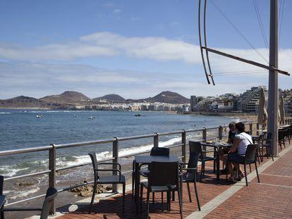 Terraza en la playa de Las Canteras, en Las Palmas de Gran Canaria.