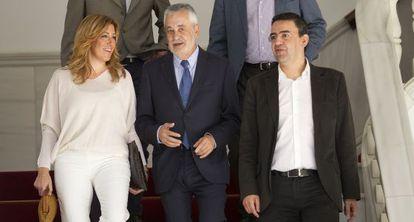 José Antonio Griñán junto a Susana Díaz y Mario Jiménez.