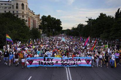 La marcha del Orgullo por el Paseo del Prado de Madrid.