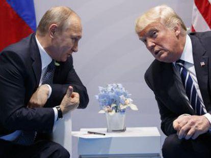Washington penaliza a 19 ciudadanos y cinco organizaciones, incluidos los acusados por el fiscal especial de la trama rusa