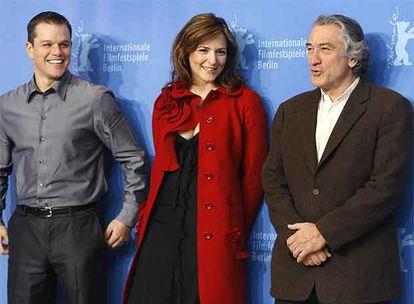 De izquierda a derecha, Matt Damon, Martina Gedeck y Robert de Niro, que presentaron <i>El buen pastor.</i>