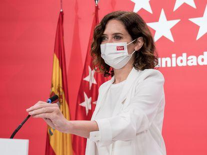 La presidenta de la Comunidad de Madrid, Isabel Díaz Ayuso, durante una rueda de prensa posterior a la reunión del Consejo de Gobierno, este jueves.