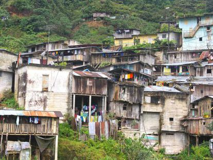 Nambija es una población es flotante y sus pobres vecinos van y vienen según el trabajo que hay en las minas.