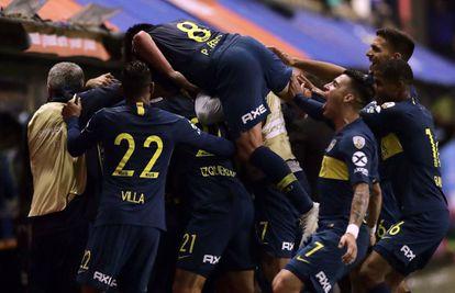 Boca celebra el segundo gol de Darío Benedetto.