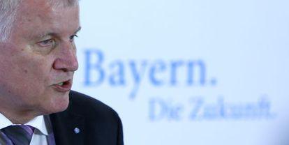 El jefe de Gobierno de Baviera y líder de la CSU, Horst Seehofer, en una rueda de prensa el pasado viernes en Múnich.