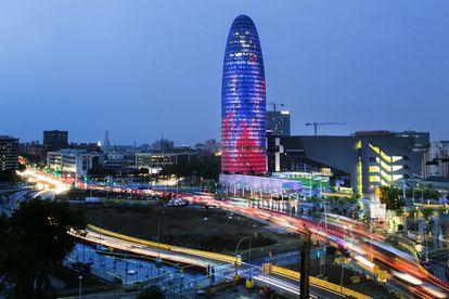 La Torre Agbar, de noche.
