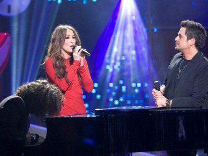 Malú y Alejandro Sanz durante su actuación en 'La música no se toca', de TVE-1.