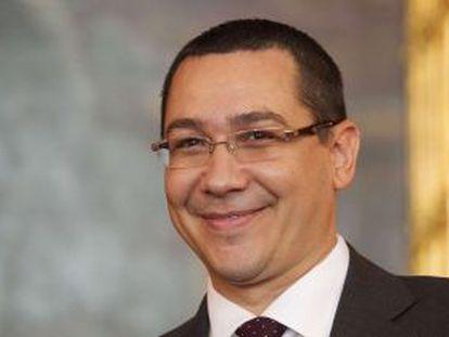 El primer ministro Víctor Ponta, este lunes en Viena.
