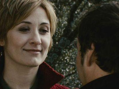 Nathalie Poza y Eduard Fernández, en la película.