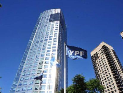 La sede corporativa de YPF en Buenos Aires.