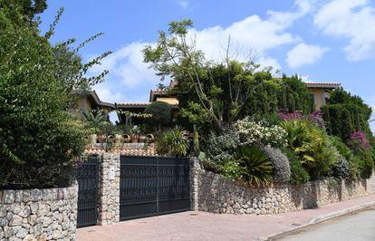 Entrada de la casa de Mallorca que ha comprado la familia de Michael Schumacher.