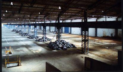 Desmantelamiento de la fábrica de Uralita en Cerdanyola del Vallès (Barcelona) en 2003.