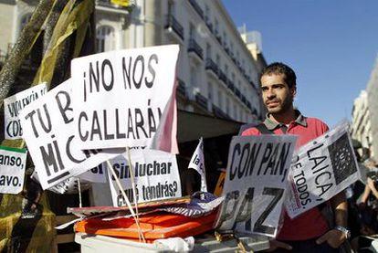 Fabio Gándara, portavoz de Democracia Real Ya, ayer en la Puerta del Sol de Madrid.