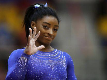 Simone Biles durante el primer día de competición en los Mundiales de Doha.