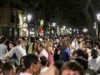03/07/2021 - Barcelona - En la imagen macro botellon en la Rambla del Born. Foto: Massimiliano Minocri