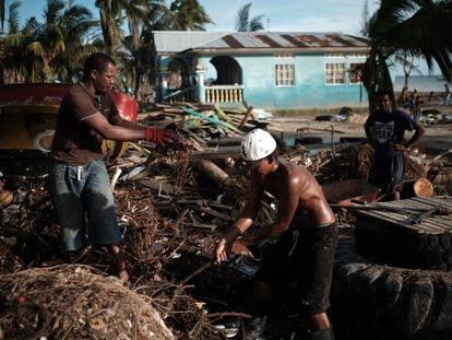La mayor parte de las casas fueron destruidas tras el impacto del huracán Iota en las costas de Bilwi, Nicaragua.