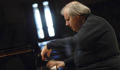 Foto de archivo del pianista Grigori Sokolov.