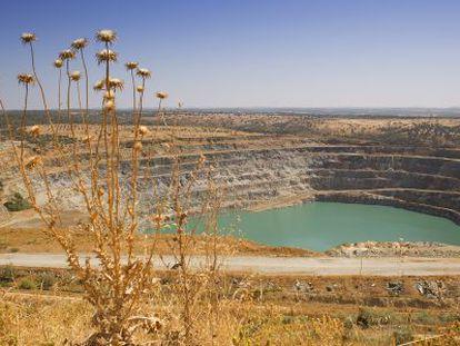 Una vista de la balsa de la mina de Aznalcóllar.