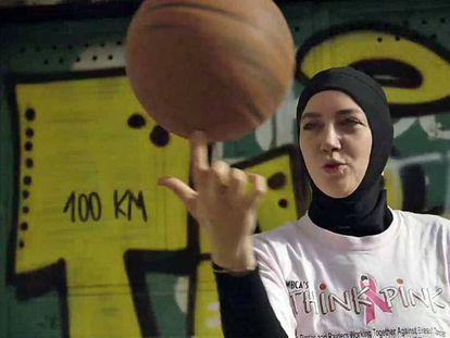 Imagen de la campaña de Indira Kaljo en change.org para levantar el veto al velo en la FIBA.