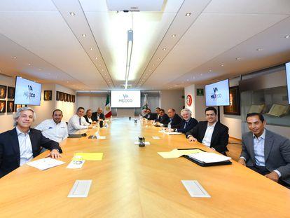 Reunión de la coalición Va por México, integrada por el PRI, el PAN y el PRD, el 11 de octubre de 2021.