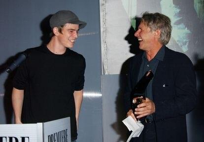 Josh Hartnett y Harrison Ford, en un evento para promocionar 'Hollywood. Departamento de homicidios'. En realidad, según Hartnett, las sonrisas eran impostadas.