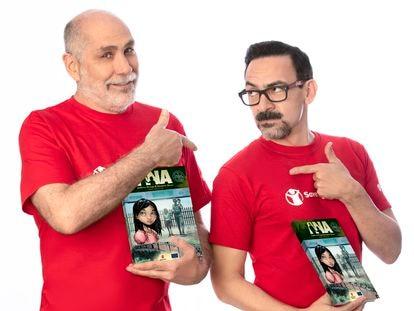 """Guillermo Arriaga y Humberto Ramos durante la presentación del cómic """"Ana""""."""