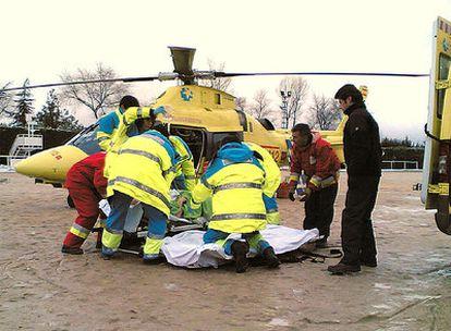 El helicóptero del Summa, durante una intervención sanitaria.