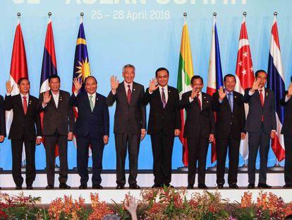 Participantes en la cumbre de la ASEAN en Singapur.