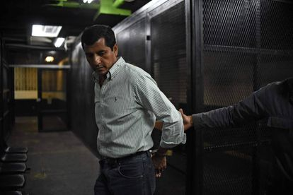 El ex ministro de Defensa Manuel López tras ser detenido en Ciudad de Guatemala