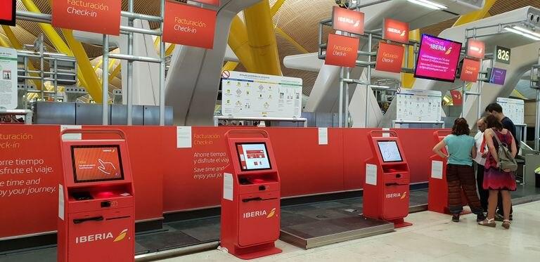 Mostradores de Iberia en el aeropuerto de Madrid-Barajas.