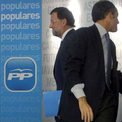 Mariano Rajoy y Francisco Camps, en los prolegómenos de la reunión de ayer.